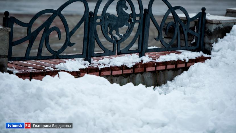 Сильный ветер и снег ожидается в Томске в четверг