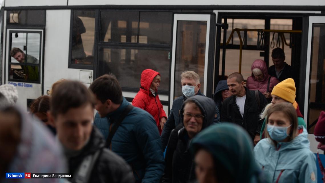 Власти рассказали, сколько человек с подозрением на коронавирус госпитализировано в Томске и Северске